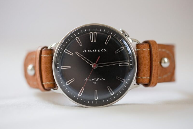 De Rijke Watches & Co. Amalfi Series I – a Driver's Watch with a Rotating Case