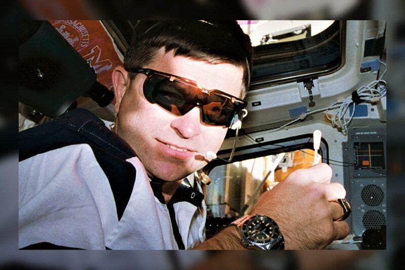 The Earliest Documented Rolex Submariner in Space, Spotted on NASA Astronaut Kenneth D. Cameron, 1995